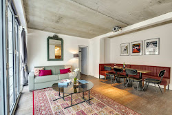 Milan Iii Serviced Apartment, Opera