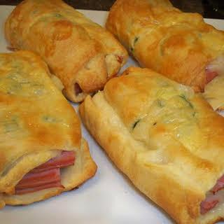 Easy Ham & Cheese Breakfast Pockets.