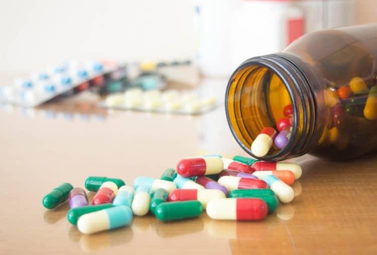 Sử dụng kháng sinh điều trị bệnh hiệu quả nhanh song gây ra nhiều tác dụng phụ