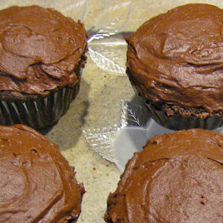 Chocolate Cupcakes w/Ultimate Fudge Frosting