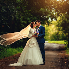 Wedding photographer Vitaliy Kuzmin (vitaliano). Photo of 30.10.2014