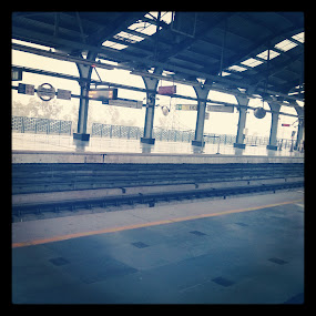 empty afternoons by Abha Singhal - Buildings & Architecture Other Interior ( afternoon, metro, empty, quiet, alone )