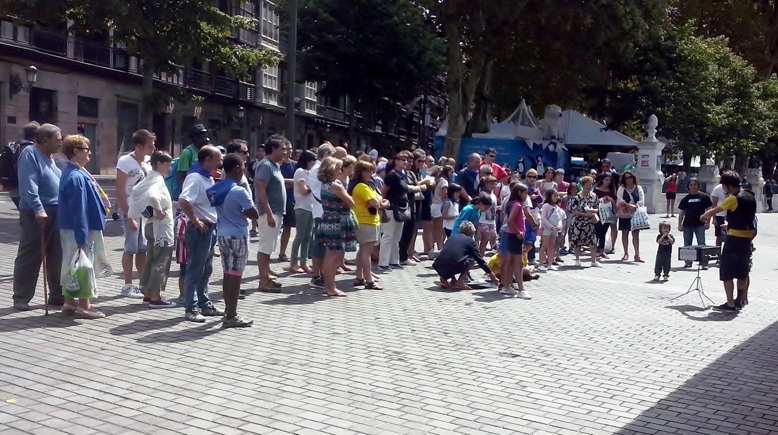 mago en calle de Bilbao 2015