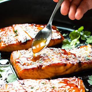 Honey Sriracha Glazed Salmon Recipe