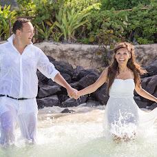 Wedding photographer Olesya Dyukar (AliceD). Photo of 13.10.2013