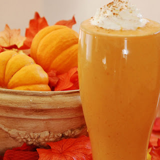 Pumpkin Smoothie With Vanilla Yogurt & Cinnamon