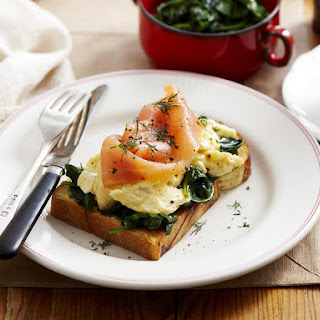 Baked Eggs with Salmon and Spinach