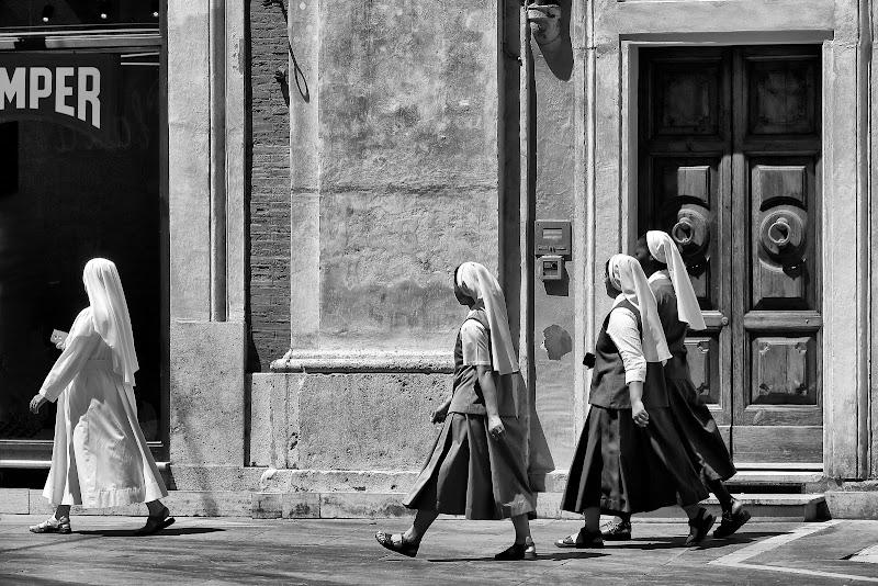 Sisters di romano