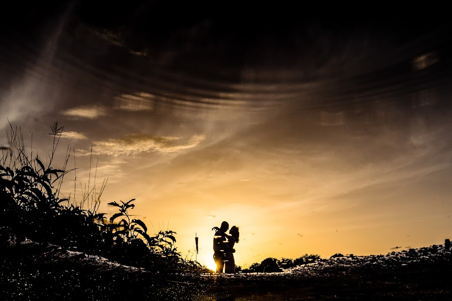 Wedding photographer Timothy Katua (katua). Photo of 11.04.2019