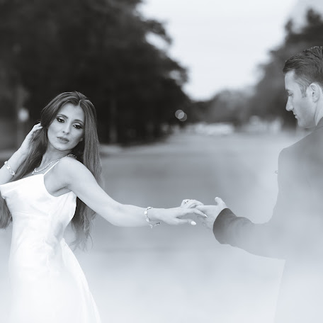 Wedding photographer Adriatik Berdaku (adriatikberdaku). Photo of 15.11.2017