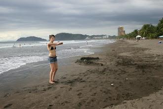 Photo: Meditative Übungen mit einer Glaskugel