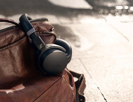 Review: Sennheiser HD 450SE Headphones Integrated With Amazon Alexa