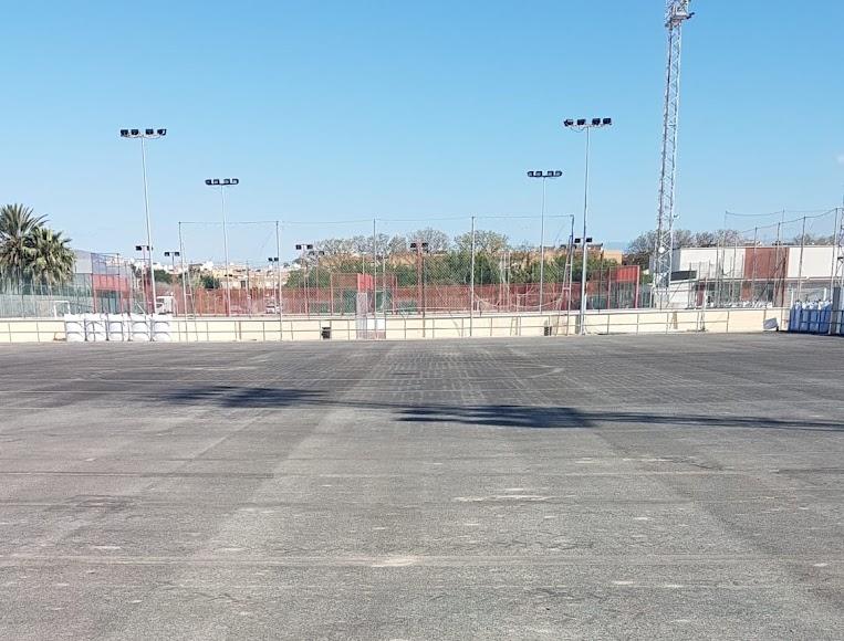 El campo de Fútbol-7 listo para colocar el nuevo césped.