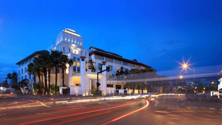 The Park Hyatt Siem Reap is considered the top luxury hotel in the city.
