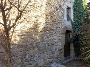 Photo: detall porta del castell de Palau-sator