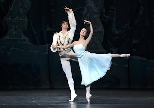 Photo: DER NUSSKNACKER - Ballettpremiere an der Wiener Staatsoper. Premiere 7.10. 2012, Choreographie: Rudolf Nurejew. Vladimir Shishnov, Liudmila Konovalenko. Foto Barbara Zeininger