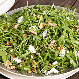 Walnut, Goat Cheese and Arugula Salad