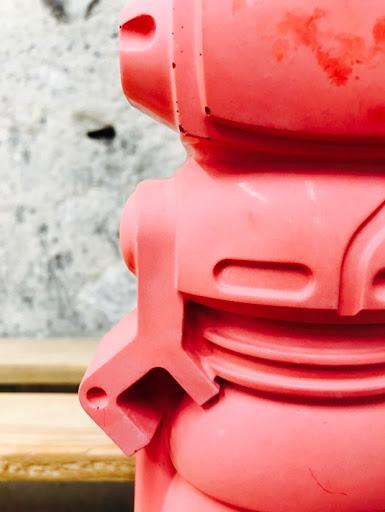 détail d'un béton coulé à la main pour la création d'une déco en béton