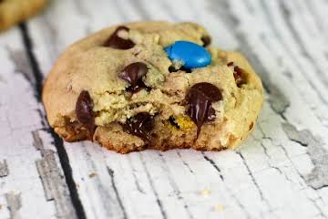 """Texas Style Chocolate Chip Cookies"""