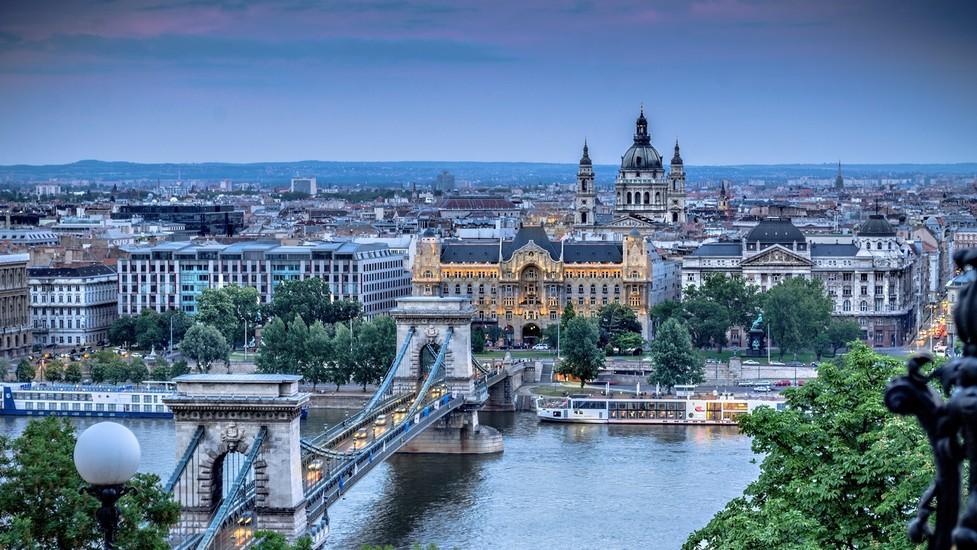 Lennot ja hotelli Budapest
