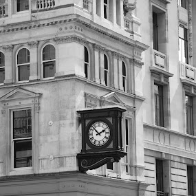 London clocks by Pavel Laberko - Buildings & Architecture Architectural Detail ( pwcclocks-dq )
