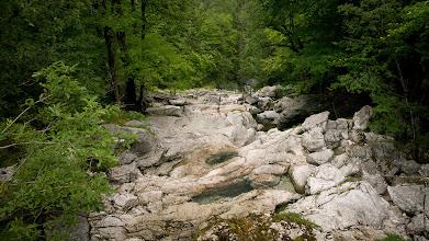 Photo: Cestička se spoustou vodopádků, jeskyněk, potůčků, splazů...
