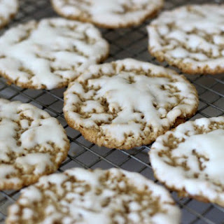 Old Fashioned Iced Oatmeal Cookie