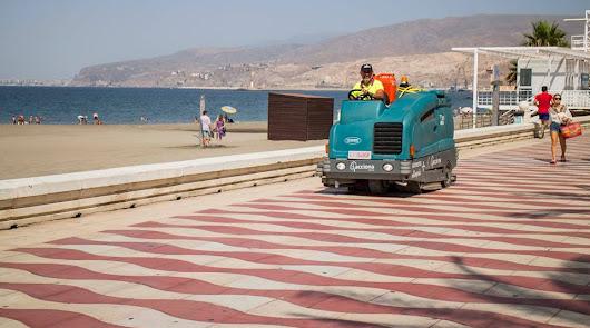 El Plan de Limpieza Intensiva se retoma en Almería este domingo
