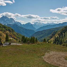 2000 m nad mořem ...  by Miloš Stanko - Landscapes Mountains & Hills ( dolomites, italy, hory, obloha, skály, mraky, stromy )
