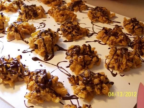 Cin'sversion Cornflake Chocolate Drizzle Cookies Recipe