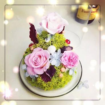 送給您的她一份獨一無二的禮物🌹訂製需時約3-7個工作天❤️由鮮花而製的保鮮花,不需要陽光照射,不需要澆水,就能保存達三年。 歡迎Whatapps 查詢有關詳情Tel:67417898。❤️#不凋花 #小王子 #結婚禮物 #sweetheartcorner #giftforher #婚禮 #hkiger #hkflower #保鮮花 #hkflowershop #生日 #紀念日 #母親節 #送禮 #康乃馨 #小禮物 #生日禮物 #花 #音樂盒  #謝師禮物  #presentflowers #彩虹玫瑰 #相架 #禮物 #handmade #玫瑰花 #hkigshop #hkgirl#永生花