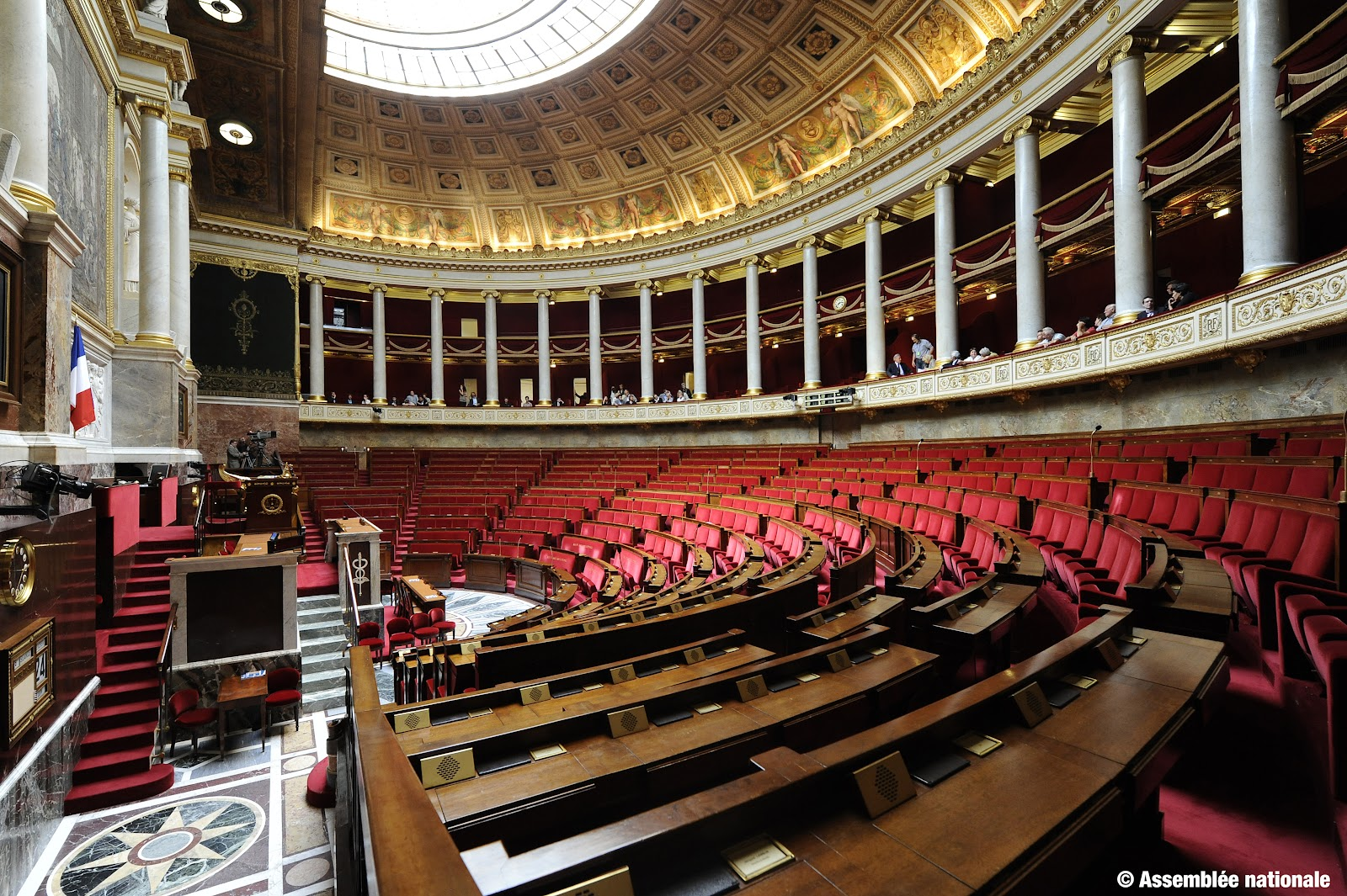 hemicycle-vide.jpg