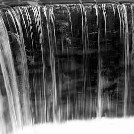 Water by Gil Reis - Black & White Landscapes ( rivers, places, nature, portugal, placesbio, water, life )