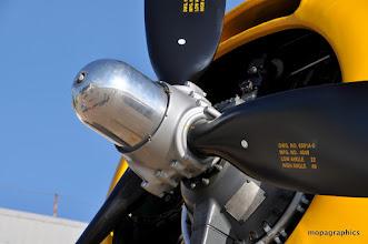 """Photo: moteur Wright R-2600-20 """"Cyclone"""" de 1900 cv 14 cylindres en double étoile. Hélice à pas variable. Puisqu'on vou'l dit 22/49, alors !"""