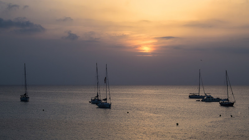1,2,3, barche al tramonto di utente cancellato