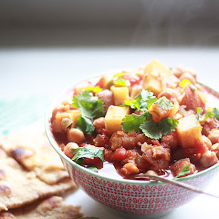 Slow-Cooker Indian-Spiced Chickpeas & Red Potatoes.