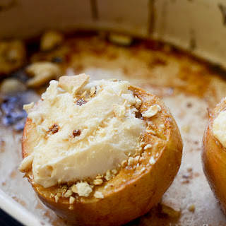 Skinny Cheesecake Stuffed Apples