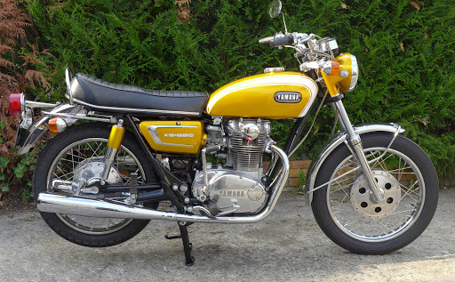Yamaha 650 XS1B 1971 restored by Machines et Moteurs.