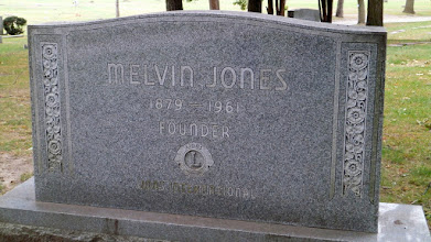 Photo: Just 200m away the resting place of the Founder of LIONS,Melvin Jones....... He copied our Organisation- (Irv Kaplan)