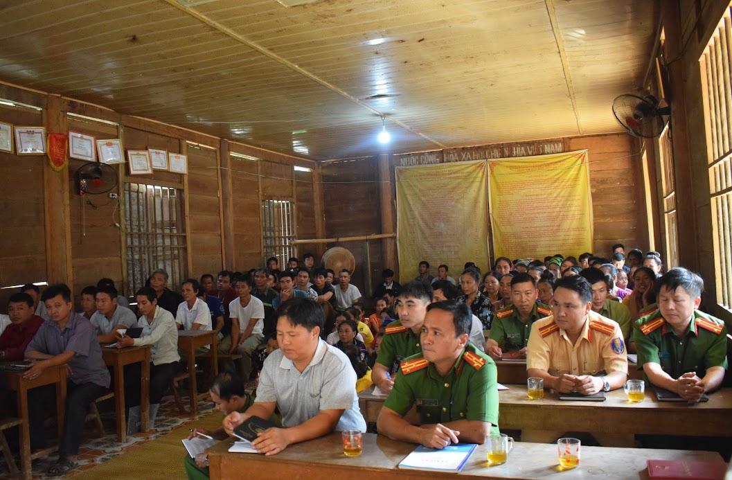 Các đại biểu tham dự diễn đàn
