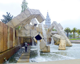 Photo: Vaillancourt Fountain; Ferry Building in background