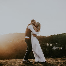 Wedding photographer Krisztian Bozso (krisztianbozso). Photo of 12.04.2018