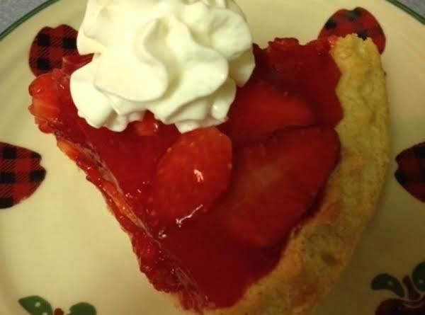 Strawberry Pie With Glaze