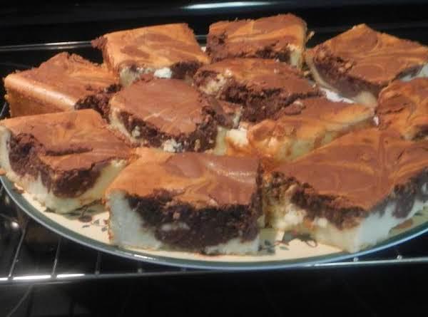 Chocolate Swirl Cheesecake Squares Recipe