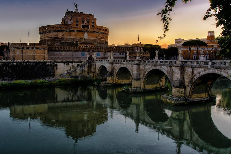 Colori e riflessi all'alba su Roma di DanteS
