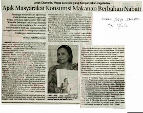 Photo: Radar Jogja article from Yogjakarta, Central Java, Indonesia  December 17 2012  Here's a great online write up from the same day and another reporter: http://nasional.kompas.com/read/2012/12/18/18101977/Hidup.Lebih.Nyaman.Menjadi.Vegan  Use Google Translate for English speakers: http://translate.google.com/  There were 8 reporters from various newspapers in Jogja & Magelang, Central Java, Indonesia who interviewed me on the day about being vegan, my adventures in SE Asia and the upcoming events I was speaking and giving food demos at.