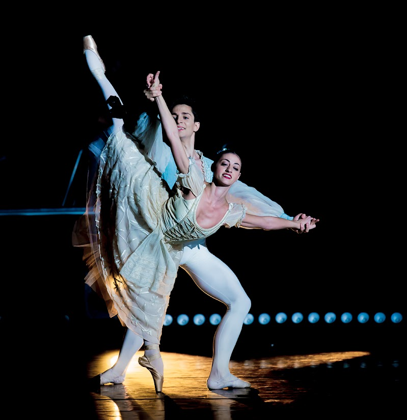 Dancing di Mauro Rossi