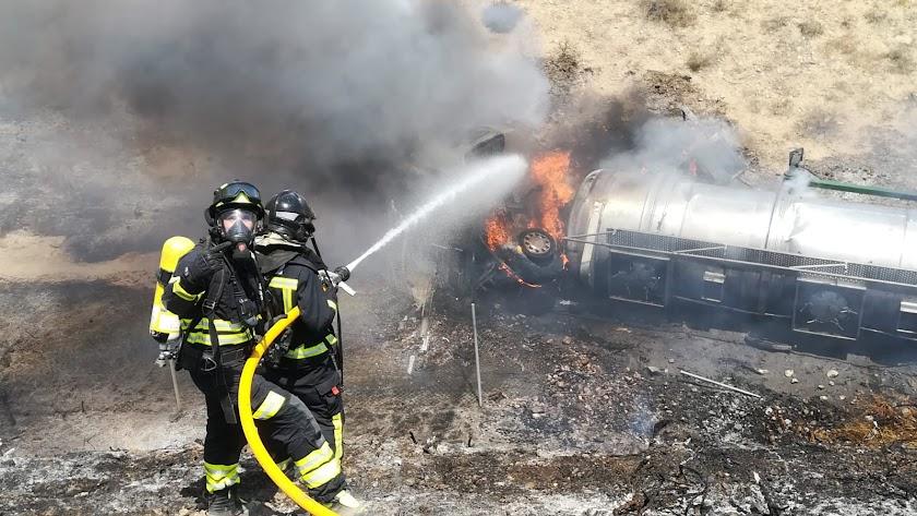 Los bomberos de Almería han atendido el incendio en la A-7.