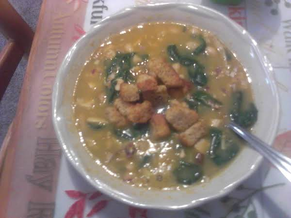White Bean, Chicken, And Spinach Soup