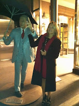 Photo: Hailing a cab with my new bf in Chicago...he's nice but kind of stiff!